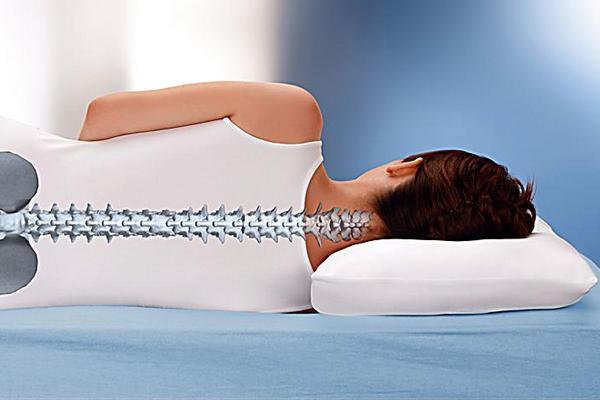 Помогает ли ортопедическая подушка при шейном остеохондрозе