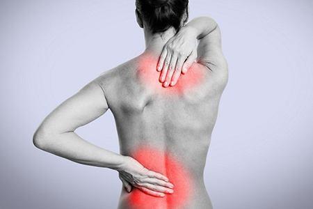 болевой синдром в шее и в пояснице у женщины