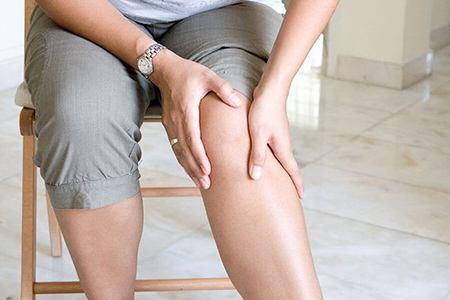 колени женщины