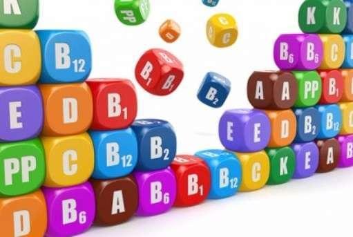 кубики с надписями названий витаминов